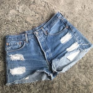 LEVIS 501 Cutoff Shorts